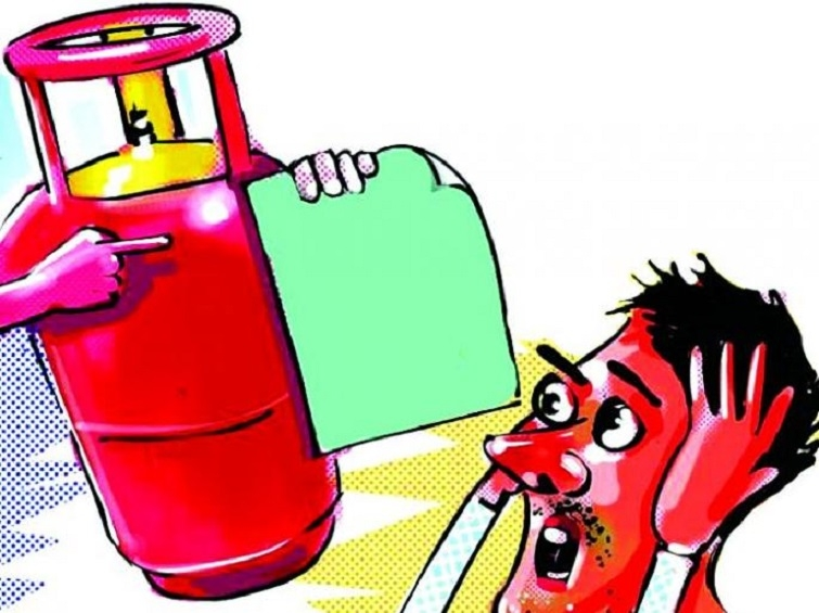 LPG price hiked by Rs 144