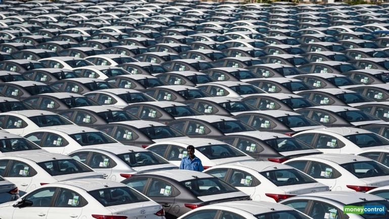 Passenger vehicle retail