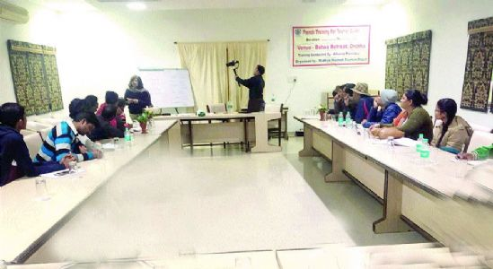 Training to tourist guides in foreign languages for convenience of visitors