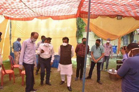 Singh checks food quality served to needy