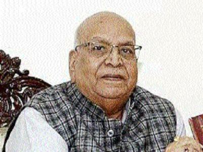 Governor praises Indore's Dr Zakia and Dr Tripti