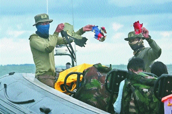 Indonesian Navy divers_1&