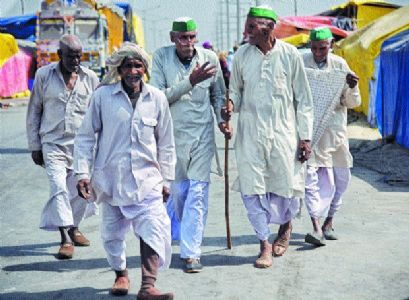 Farmers thinning at protest sites