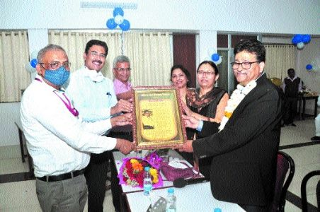 Farewell given to Child Development Project Officer Siddiqui on retirement