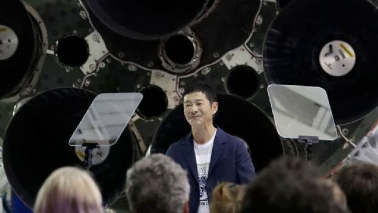 Billionaire in Japan seeks 8 people for free Moon ride