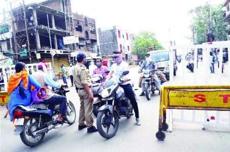 Cops keep tab on unnecessary movement of vehicles