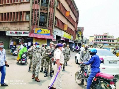 Roads' barricading continues during curfew
