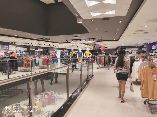 malls _1H x W