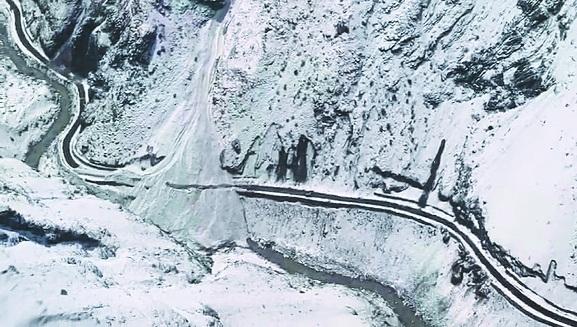 Glacier burst _1&nb