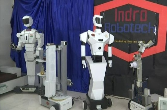 3 robots to assist health