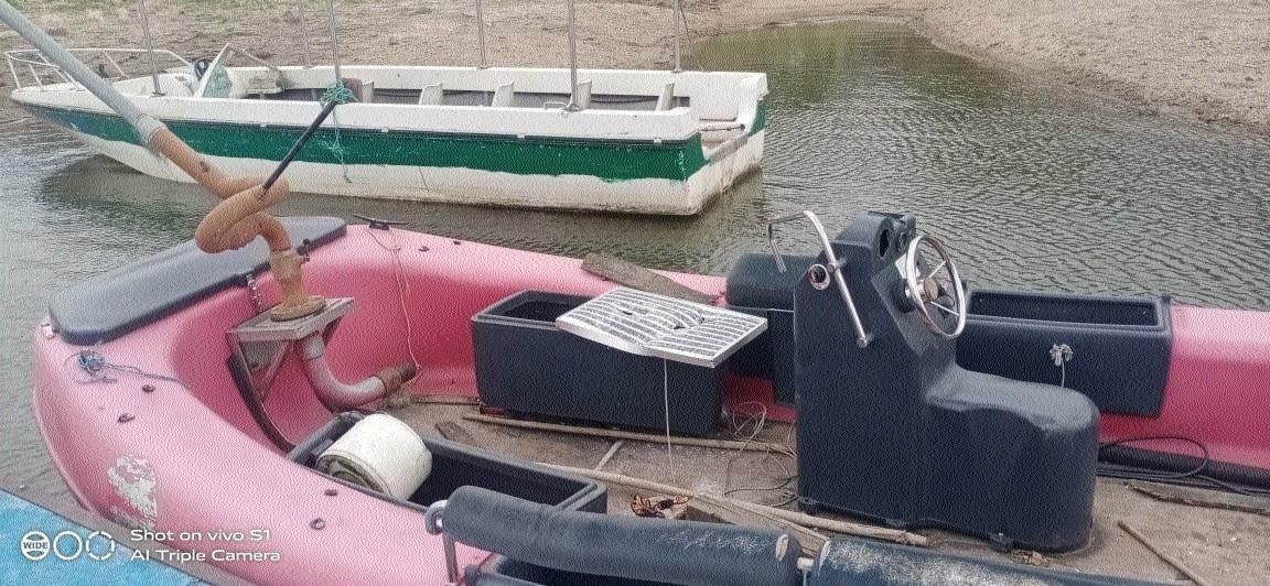 Damaged motorboats_1