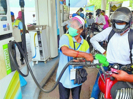 Petrol now above Rs 100_1