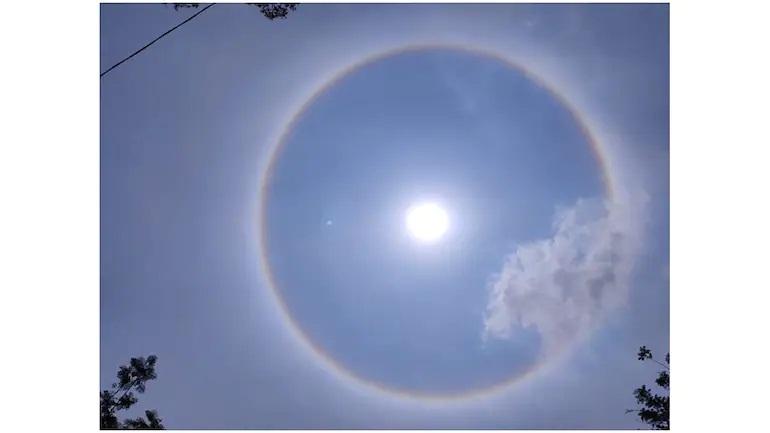 22 deg halo around Sun_1&