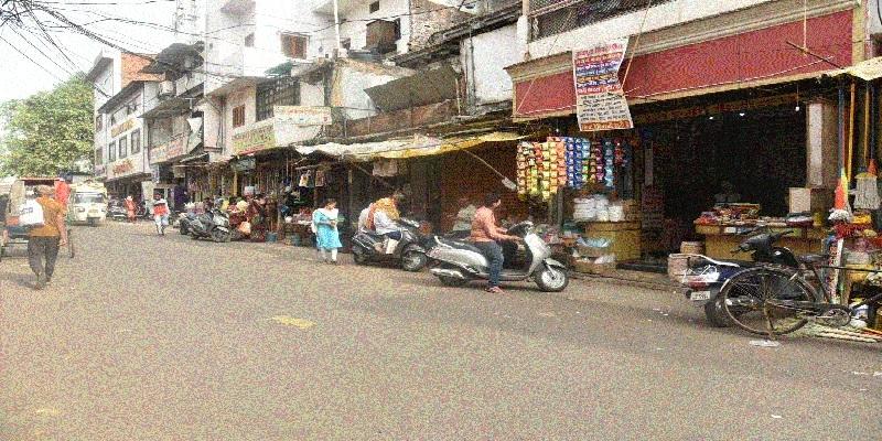 Shops start on left-right