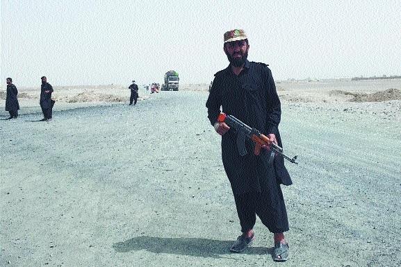 Afghan forces battle Tali