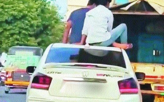 moving car_1H