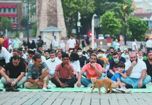 Muslims mark Eid _1