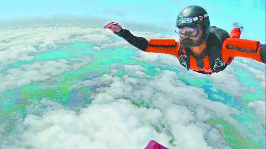 skydiving_1H