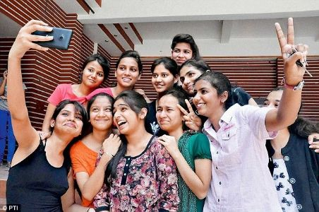 Girls outshine boys in class 12 in CISCE result