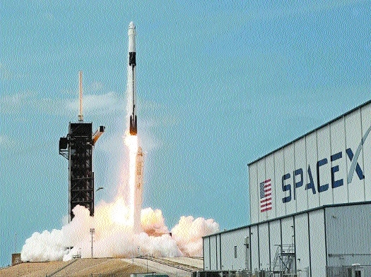 NASA suspends SpaceX's lu