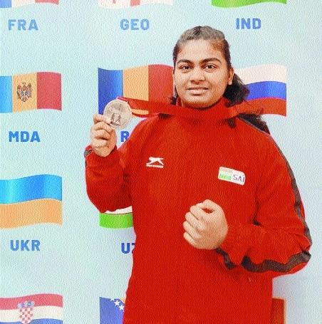 Indian boxer Alfiya_1&nbs