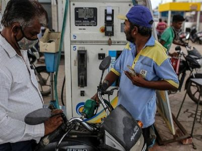 Petrol prices not coming down as States don't want it under GST: Puri