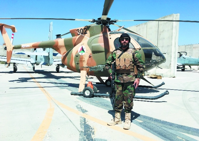 A Taliban fighter stand_1